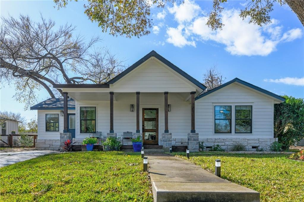 Gorgeous extensive renovated historic home in Old Town Georgetown. This bright, open and airy home boasts an expansive open floor plan and lots of natural light. Large lot with room for a garage or carport addition. Prime spot next to the heart of downtown and close to Southwestern.