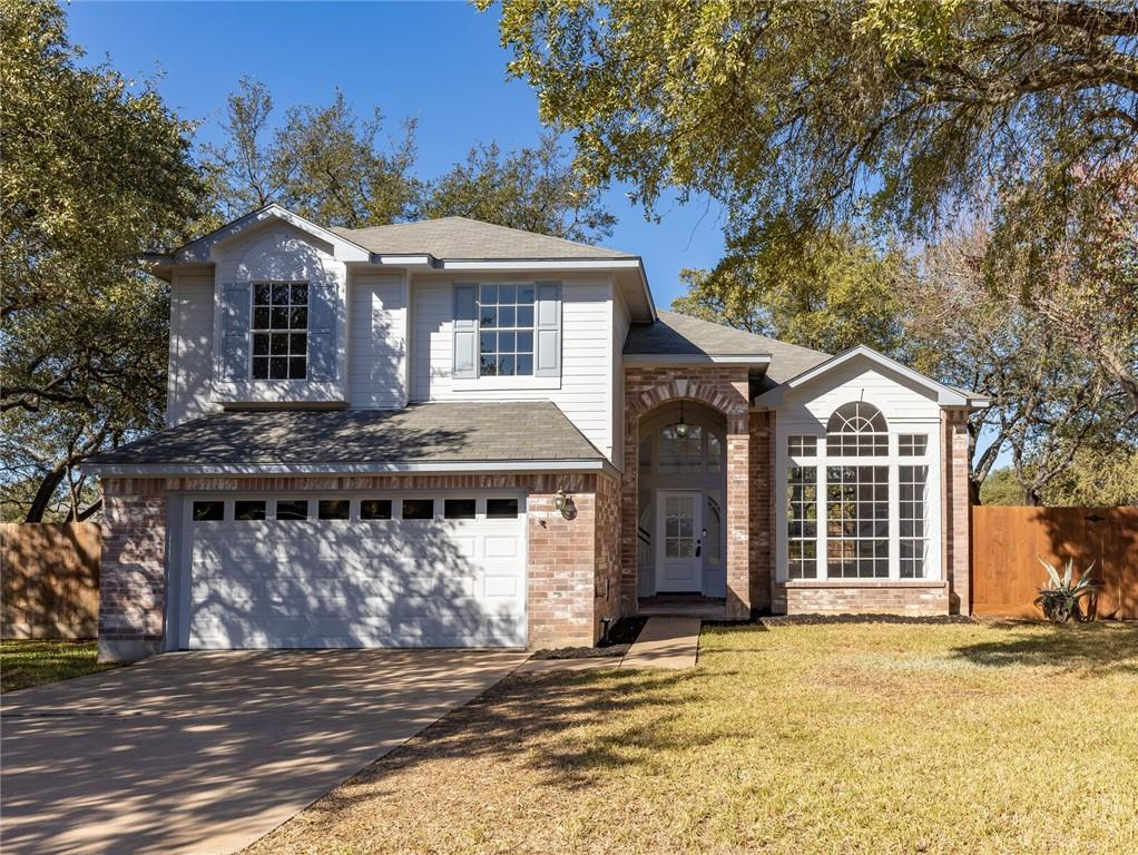 RECENTLY UPDATED HOME ON NICE CORNER LOT NEXT TO NICE WALKING AREA FOR PETS AND PARK- EASY ACCESS