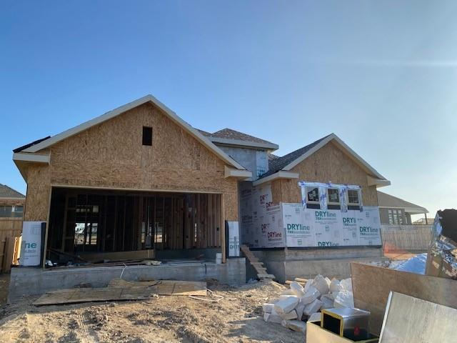 "Popular Beech floor plan with features that include upgraded built in kitchen appliance package, extended covered patio, 60"" x 42"" ceramic tile shower at master, walk in mudset shower in Master, large kitchen island, walk in pantry, pie shaped cul de sac lot. Available March."