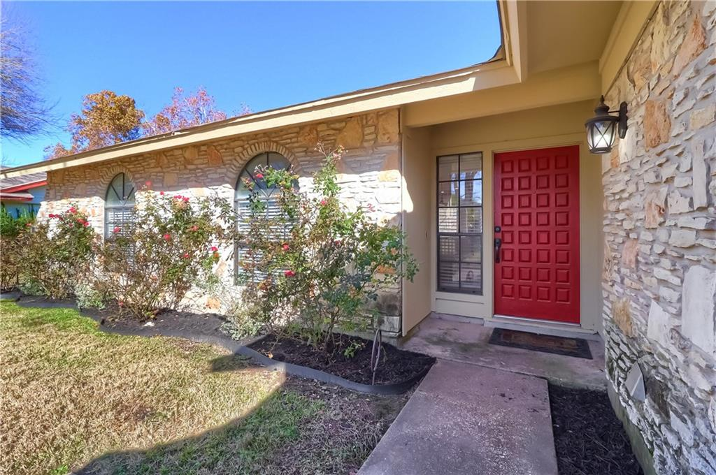 Fantastic opportunity to own a 3 bedroom, 2 bath home remodeled home on .297 acres, with no HOA, in Forest North Estates! Recent interior paint, vaulted ceiling, large windows, stone fireplace, enormous master bedroom with built in storage. No carpet & updated fixtures throughout. Spacious & open floorplan- perfect for entertaining.