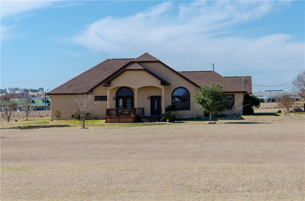 5+ ACRES WITH POOL. Single story home with 5 beds ( 2 master suites), 6 baths, 2 living areas, 2 car garage, garden shed, large workshop, room for an RV, up to 5 horses, goats and chickens welcomed!  Home sits outside of Buda city limits.  Looking for a home with lots of land and easy access, Approx. 2 miles to 45 Toll road.....this is your home.