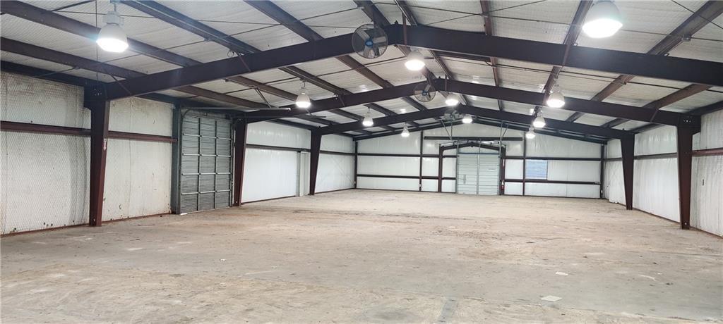 1001 Huser BLVD, Schulenburg, TX 78956