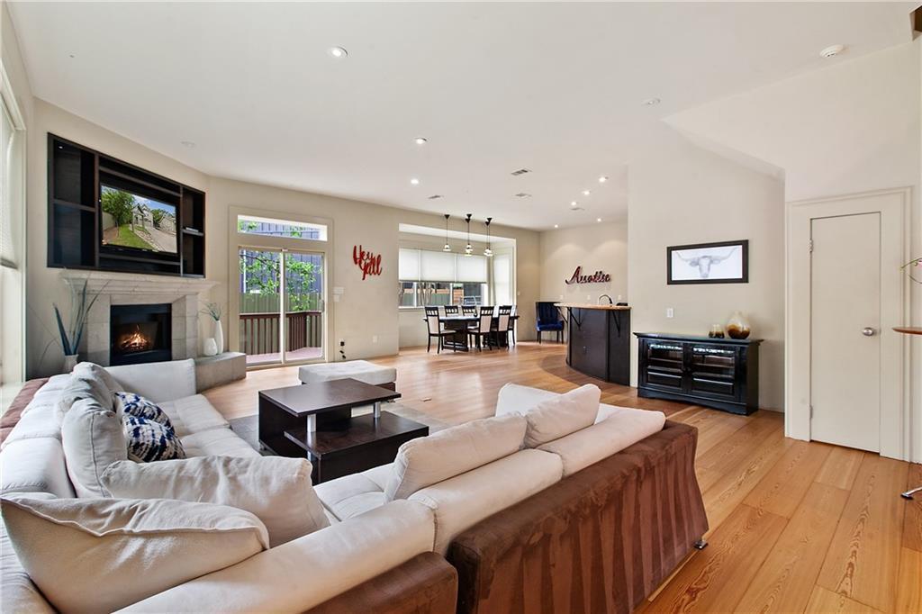 open floorplan (1st floor living room)
