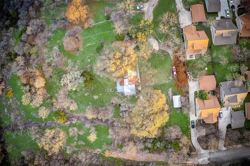Fantastic build opportunity in this private, 2-acre lot in San Marcos!