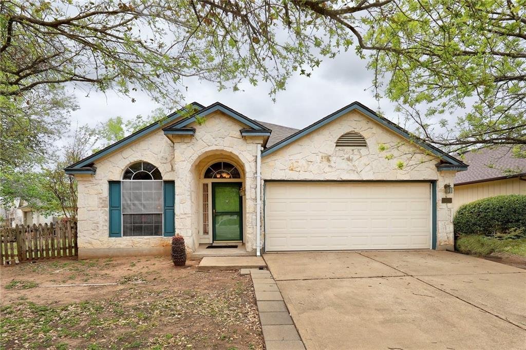 Beautiful open concept home, with large yard and covered patio, nestled in the Settlement community, short walk to parks, pond, and hike and bike. Just a short drive from some of the best shopping and entertainment the area metro has to offer. Don't miss this one, will go quick. MUST SEE!
