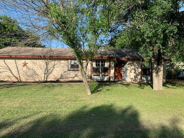 This home is sitting in the heart of Leander. The neighborhood still has that small town feel. The trees are a treat. This cute home sits on a large lot and you have plenty of room to park an RV or boat. The living room, foyer and dining room have recently been painted. The other rooms need to be repainted. This floor plan is open and you could bump out the kitchen into the dining area to make kitchen larger.