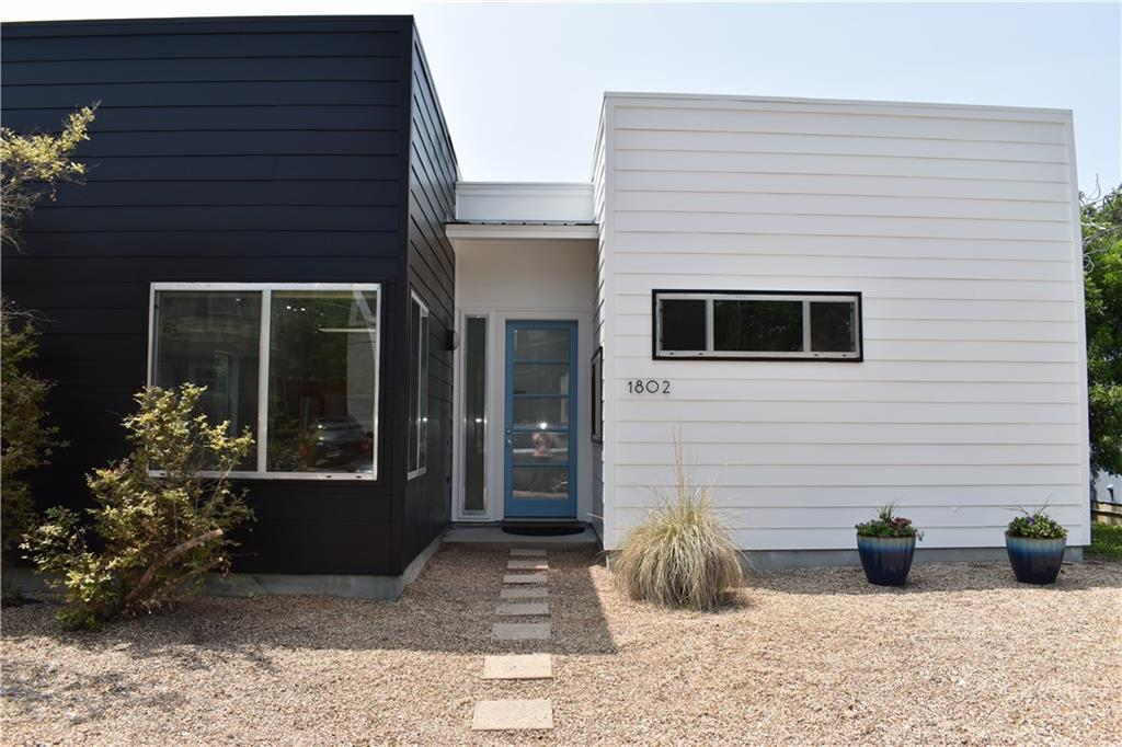 STUNNING 3 BED/ 2 BATH CONTEMPORARY HOME FOR SALE IN HIGHLY SOUGHT AFTER COMMUNITY! STAINED CONCRETE FLOORING THROUGHOUT HOME, GOURMET KITCHEN, LARGE FAMILY ROOM W/LOTS OF NATURAL LIGHT, MASTER RETREAT W/WALK-IN CLOSET! GORGEOUS HOME THAT WON'T LAST LONG!