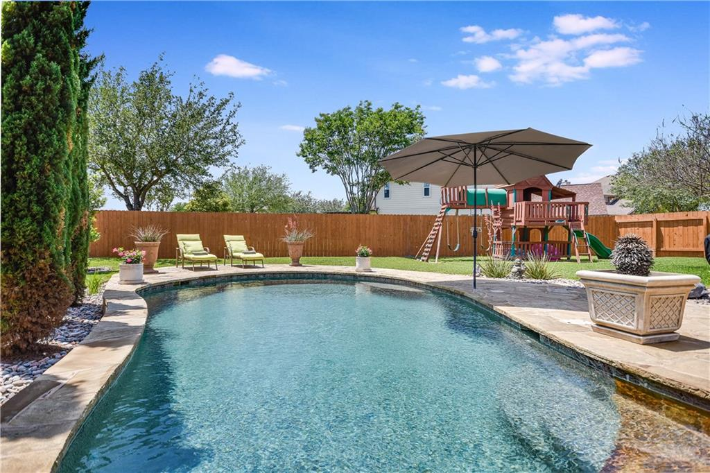 Although you'll never want to leave your backyard oasis on Seven Bridges Court, you'll be pleased to discover how easy it is to jump on 130 and get where you need to be without the Austin traffic nightmares!  This delightful home with its French country inspired interiors is less than 30 minutes from the new Tesla factory, 10 minutes to Amazon's new facility, Dell, Stone Hill Town Center and Lake Pflugerville, as well as 5 minutes to the Blackhawk golf course!  