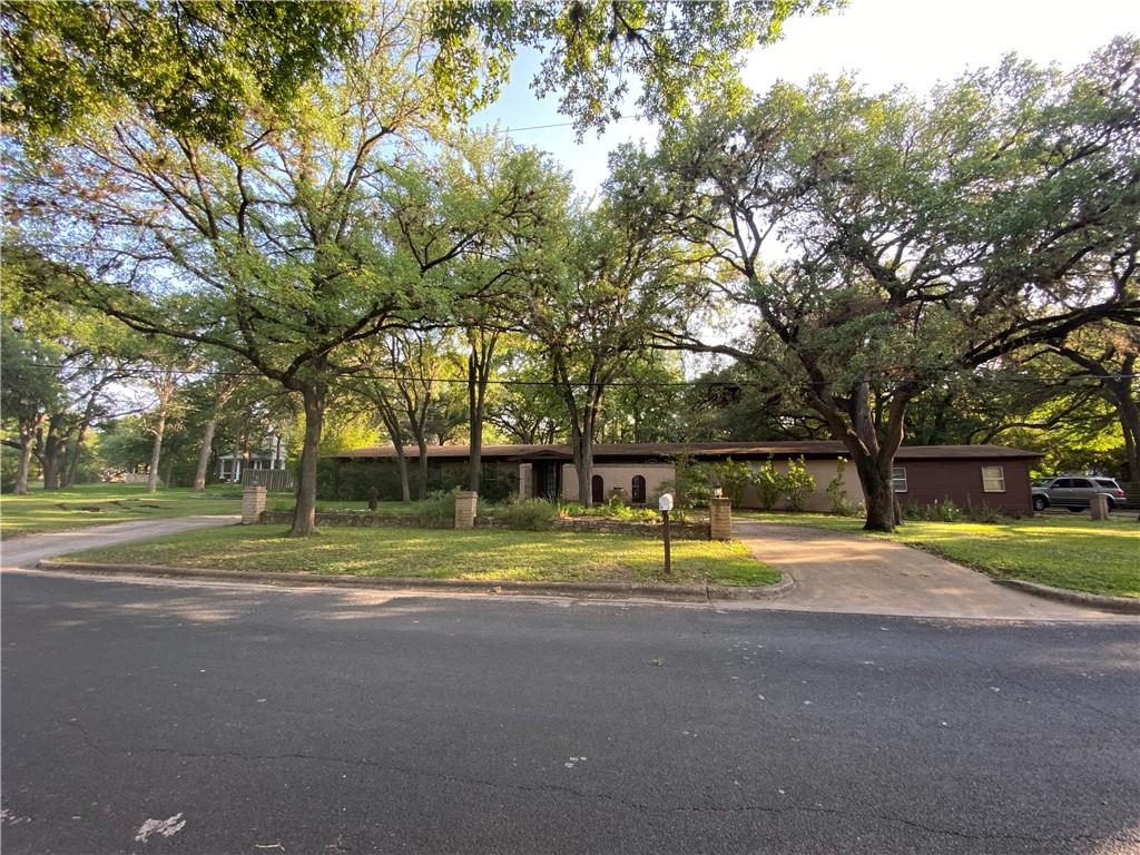 Photo for MLS Id 3886284 located at 6607 Liveoak
