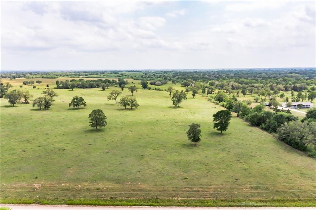 01 Sparta Field RD, Waelder, TX 78959