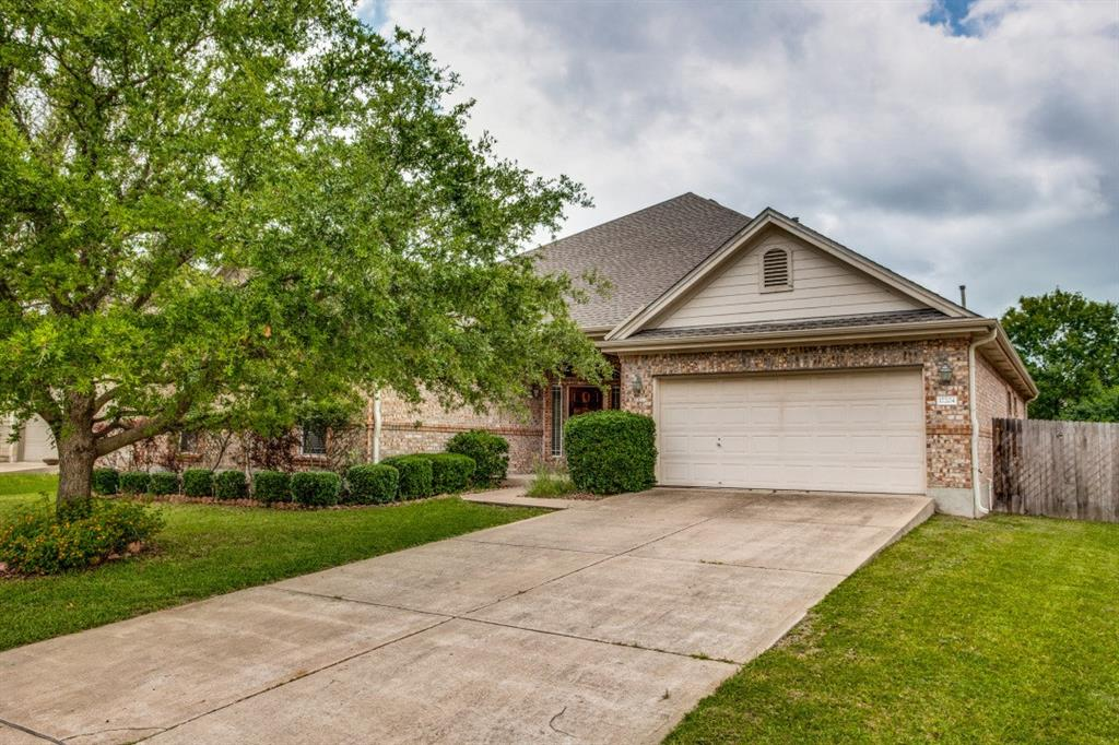 Beautiful home on culdesac street and wonderful view of greenbelt.  Open floorplan, with office & media rooms.  Superb schools!
