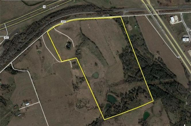 Great location! Possible development site. NO DEED RESTRICTIONS. Right off Hwy 79. Currently AG Exempt. House has been partially remodeled. 2 ponds, hill top views.
