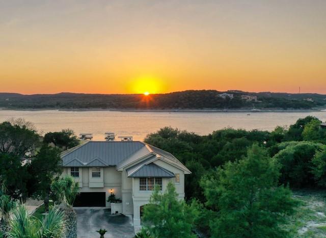 300 Lakefront DR, Point Venture, TX 78645