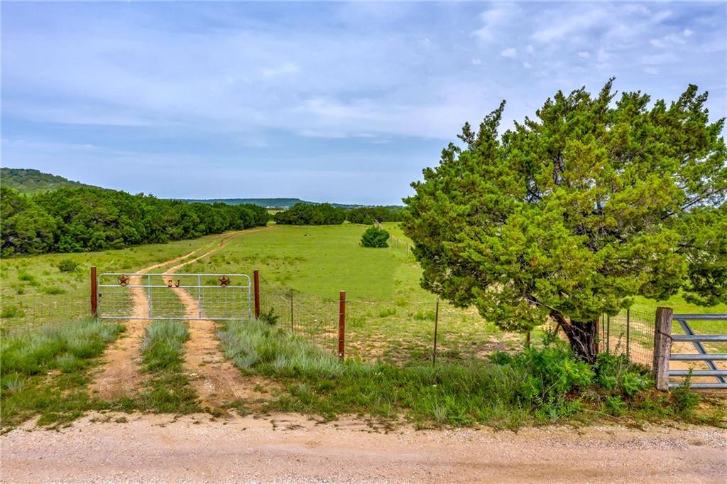 Here is your chance to on a piece of land in Texas!  28.66 acres with a small barn off of North 116 would make a great location for your private home, or for a new subdivision.  Hunting is permitted.  This beautiful property has a barbed wire fence around the perimeter.  A pond supplies water to the cattle that are presently on the land.   Call today for a showing.