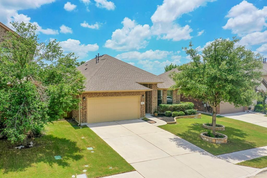 Multiple offers.  Presenting at 8:30 A.M. Monday, June 28th. Wonderful 4 bedroom floor plan with a study and a game room!  Very clean and ready for you to move in!  Come see the private back yard which backs to a greenbelt!  Don't miss this one!