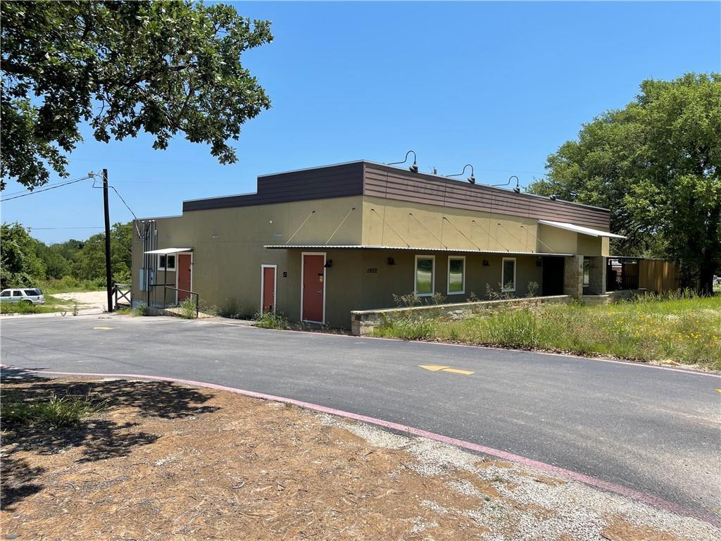 1902 Key Ave, Lampasas, TX 76550