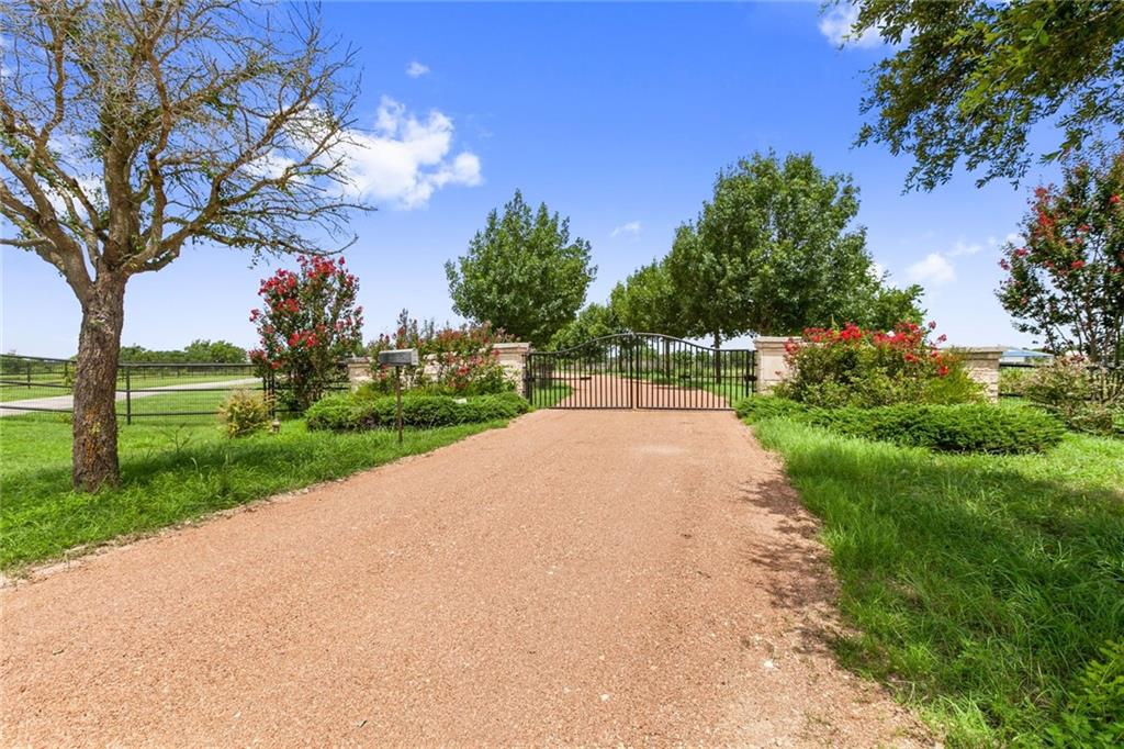 Spectacular scenic ranch situated along 22 acres overlooking the SanGabrielRiver. Located a mere 8 miles east of historic Georgetown makes this a convenient setting with easy access to many locations. Gracious layout includes a 10,000 sqft barn, with 5 commercial offices fully equipped for your business needs. This is a truly amazing property that has been assembled to perfection.