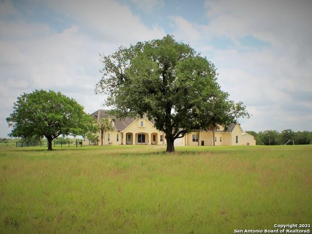456 County Road 413 A, Waelder, TX 78959