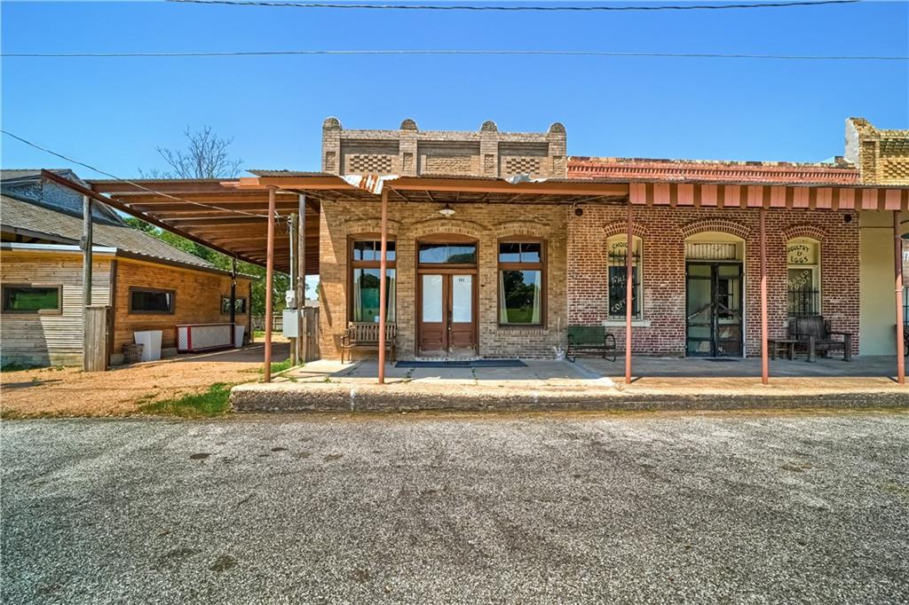 565 and 563 Old Highway 20, McDade, TX 78650