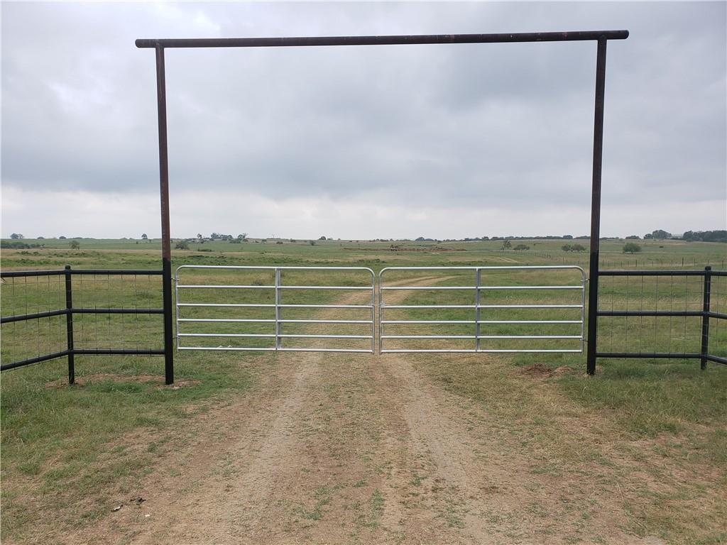 Nice gentleman's ranch with new fencing and newly constructed pond.