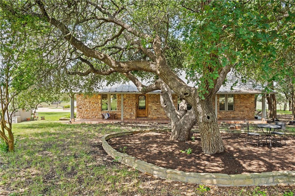 401 Sunset Acres LN, Florence, TX 76527