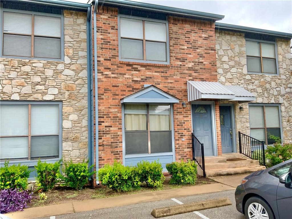 Great opportunity in Georgetown,  kitchen just updated in past couple of years, Laminate flooring and Tile downstairs.  Half Bath For when Guest Visit.  Laundry room in the kitchen.. Back door opens to green area.  Two  Designated Parking places. Look this weekend I don't think this will last long. 42 unit complex.