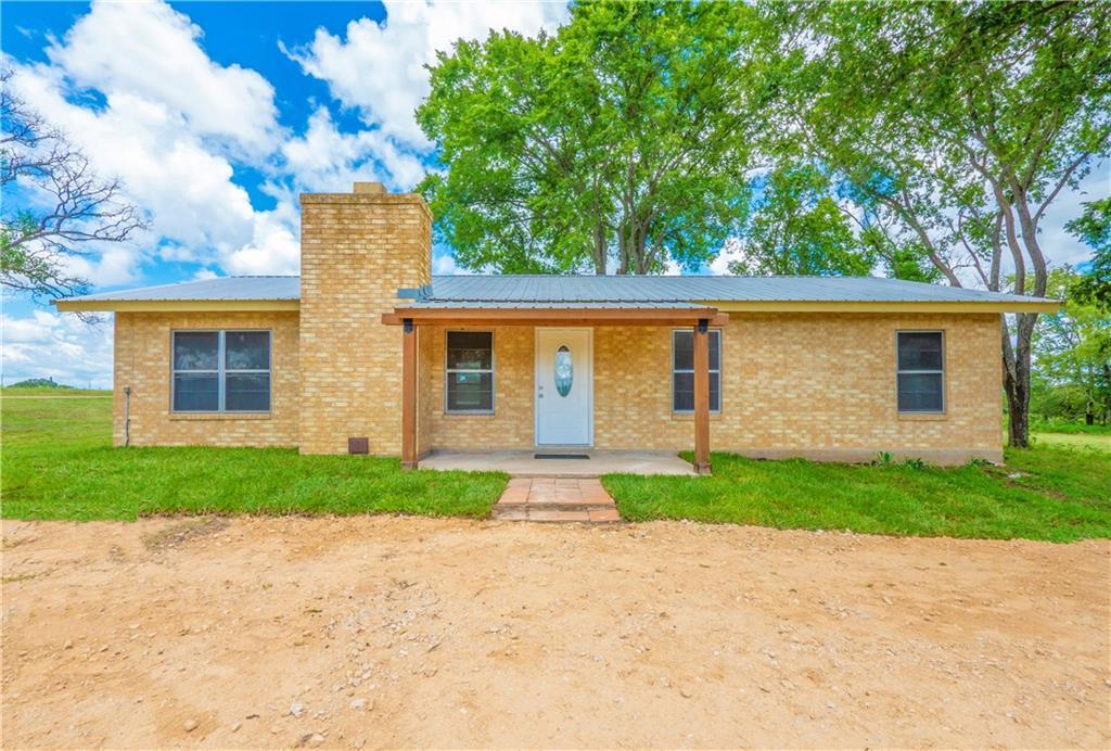 213 Knobbs RD, McDade, TX 78650
