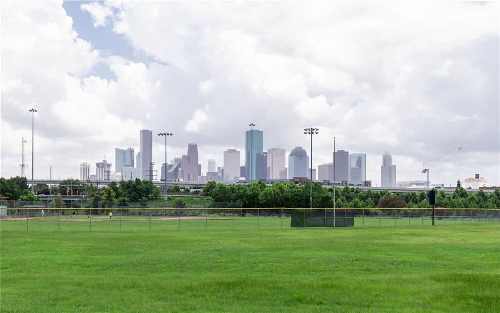 2627 White Oak Drive, Houston, TX 77009