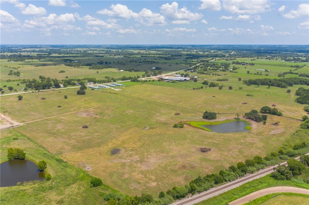 Ave C E Main ST, Schulenburg, TX 78956