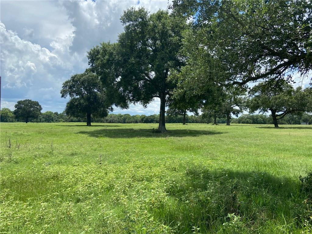 1050 Schmidt LN, Warrenton, TX 78954