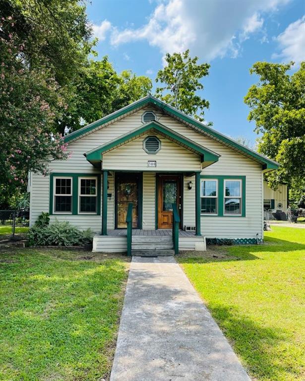 300 N Jefferson Ave, Cameron, TX 76520