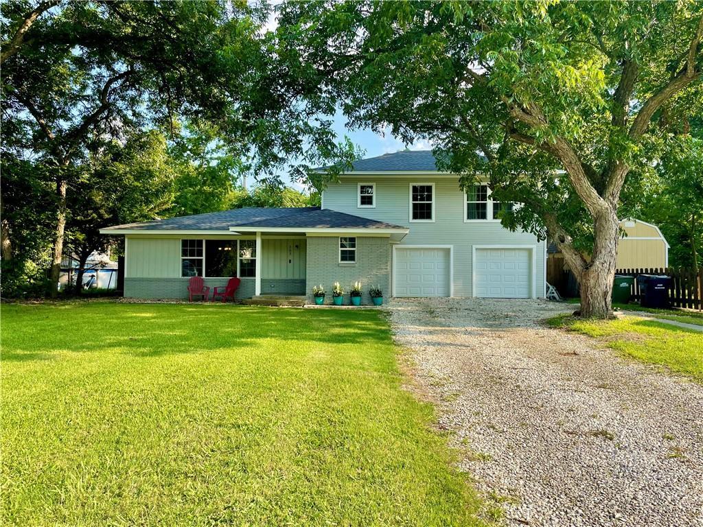 303 W Davilla ST, Granger, TX 76530
