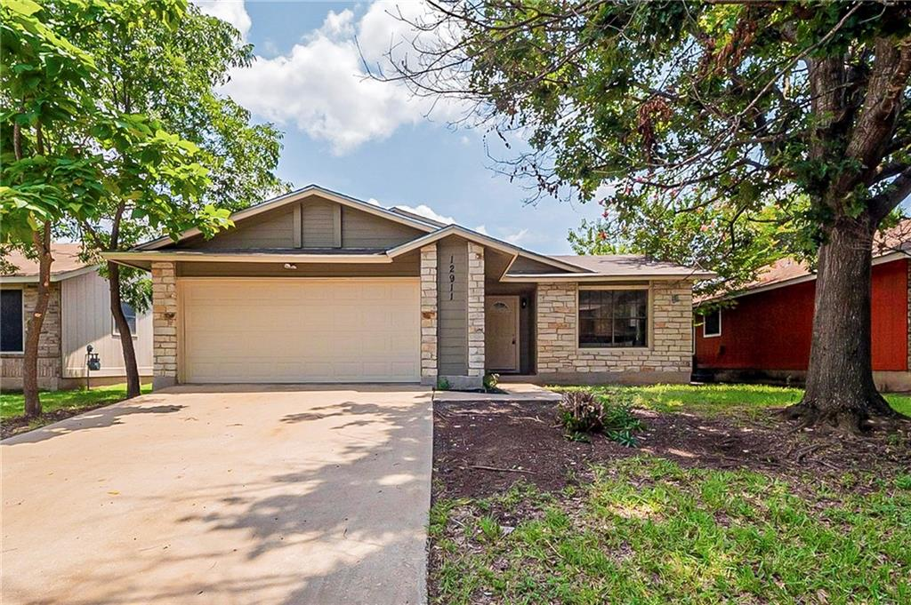 VACANT! Beautiful single story home! Cozy fireplace in the bright, open living room. The eat-in kitchen features stainless steel appliances and a breakfast bar! Private and spacious yard! Tour today!
