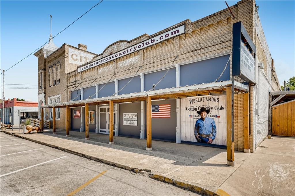 212 E Davilla ST, Granger, TX 76530