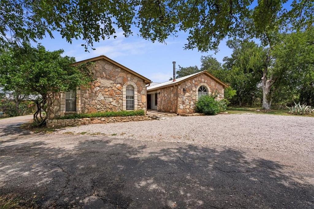 101 Hi-View DR, Burnet, Texas 78654, 3 Bedrooms Bedrooms, ,2 BathroomsBathrooms,Residential,For Sale,Hi-View,9600933