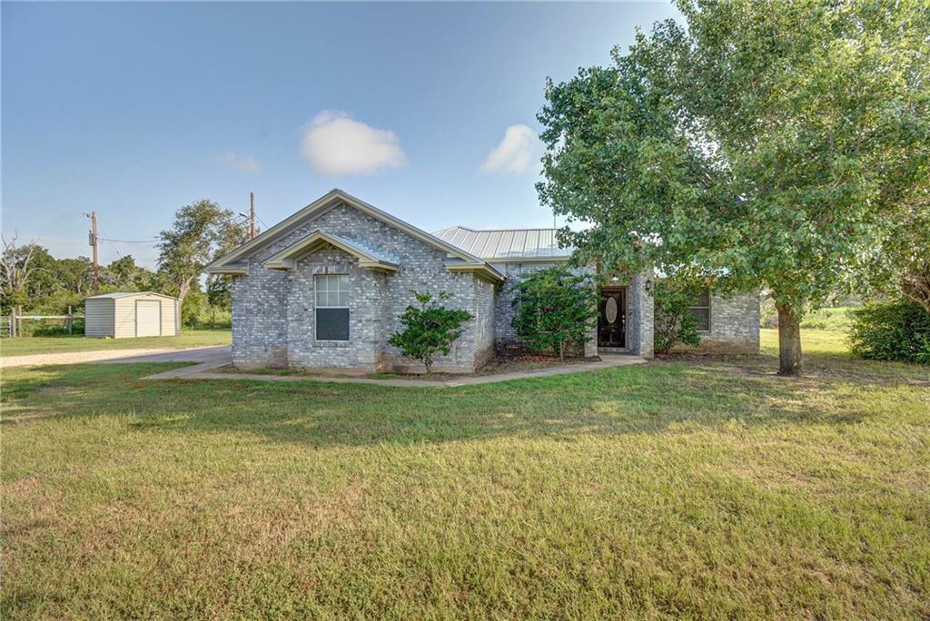 290 Hector RD, Smithville, TX 78957