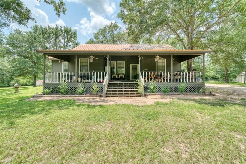 2689 W Chambliss LN, Madisonville, TX 77871