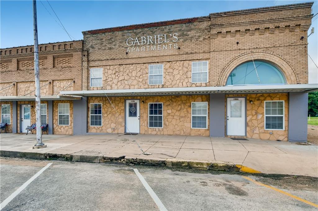 108 E Davilla ST, Granger, TX 76530