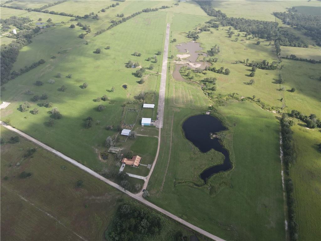 2700 County Road 123, Bedias, TX 77831