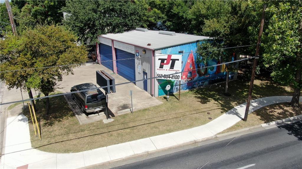 2216 S 1st ST, Austin, TX 78704