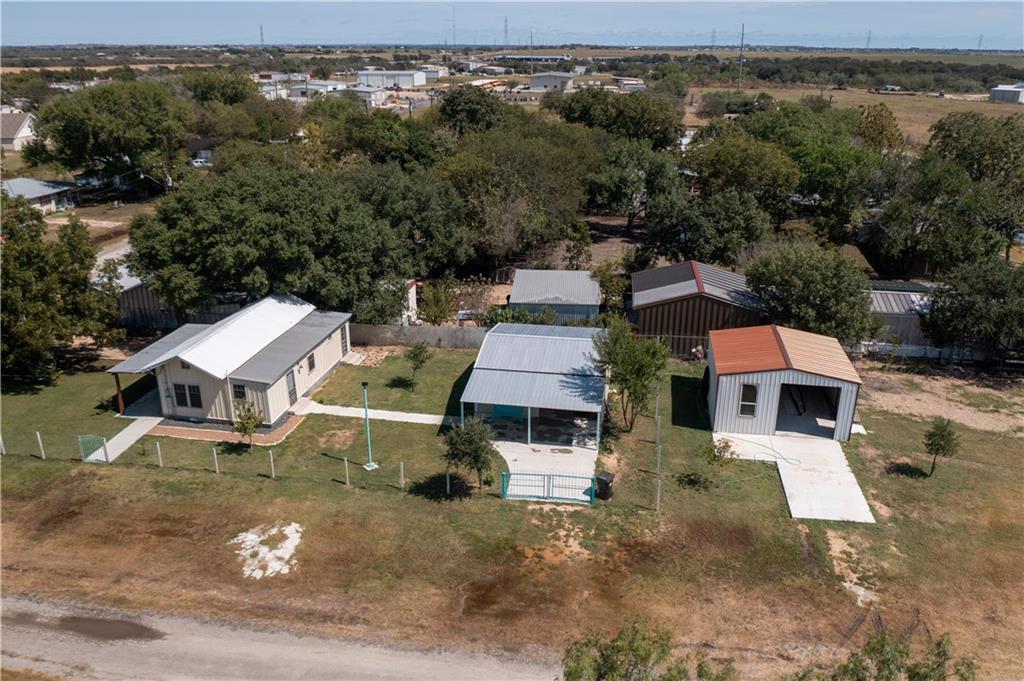301 E Huebinger ST, Marion, TX 78124