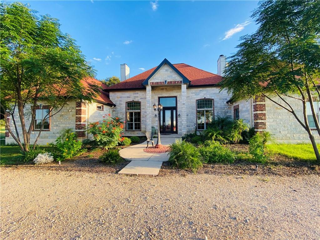 2010 Carter RD, Dale, TX 78616