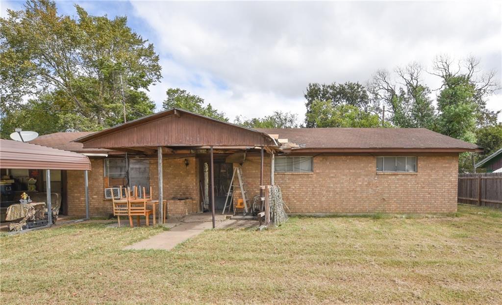 904 Westview CIR, Caldwell, TX 77836