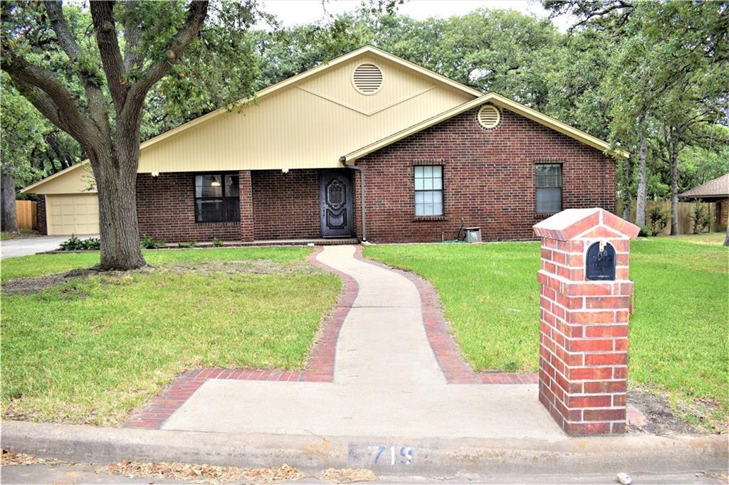 719 Enfield DR, Rockdale, TX 76567