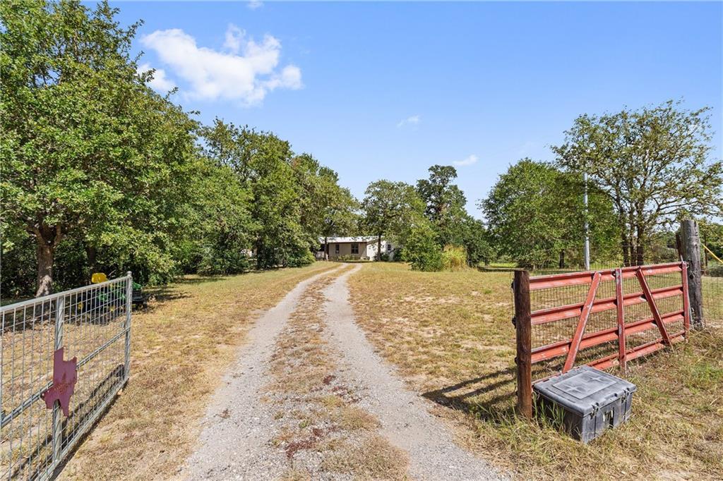 146 Little Ranch RD, Red Rock, TX 78662