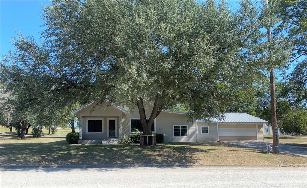 306 E Gillis Ave, Cameron, TX 76520