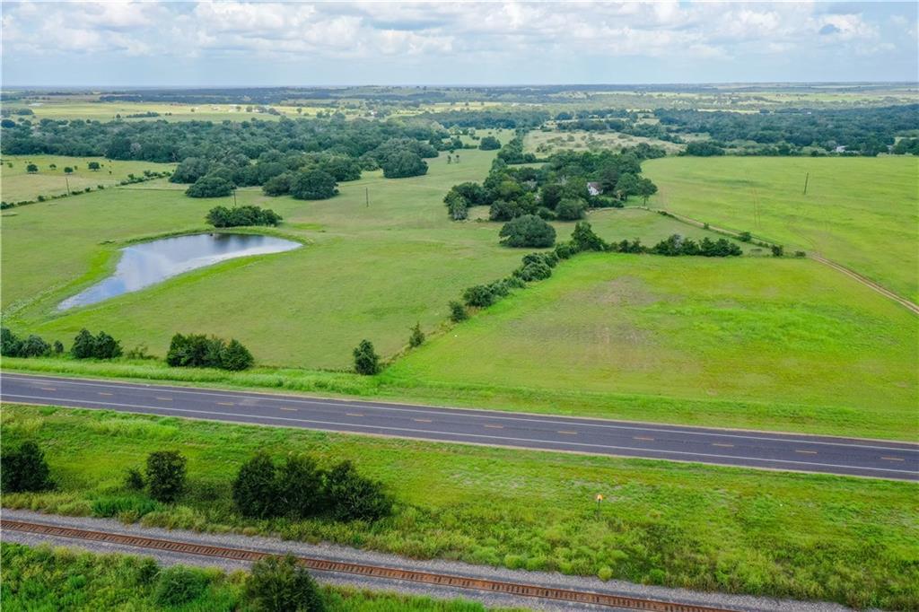 9205 W US Highway 90, Schulenburg, TX 78956