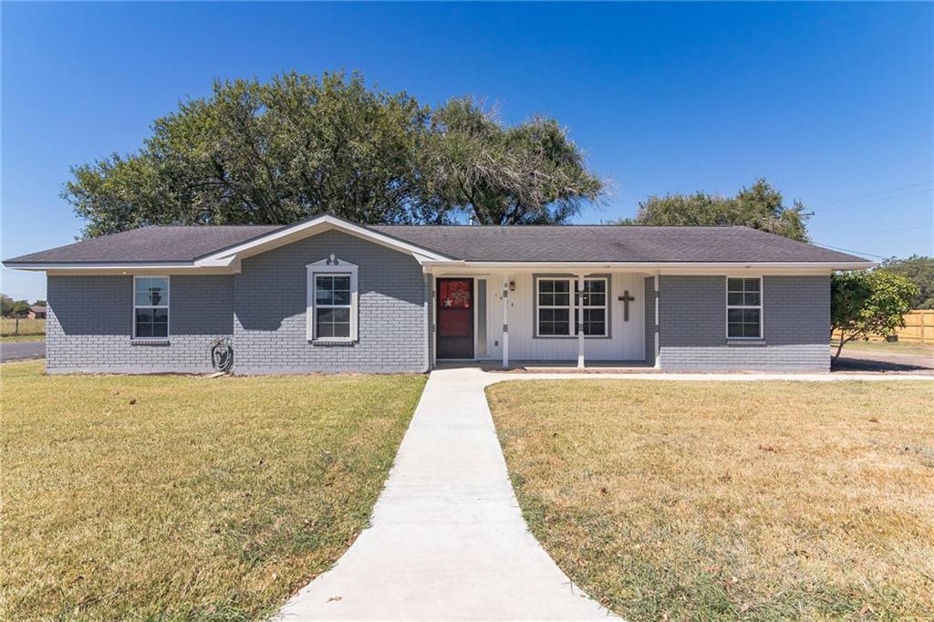 1405 Herder Ave, Schulenburg, TX 78956