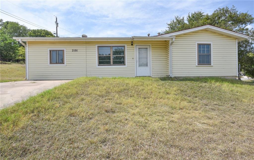 2101 Mountain Ave, Copperas Cove, TX 76522