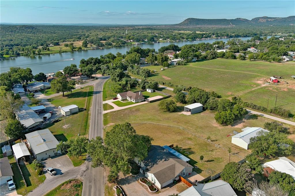 2029 River Oaks Drive, Kingsland, TX 78639